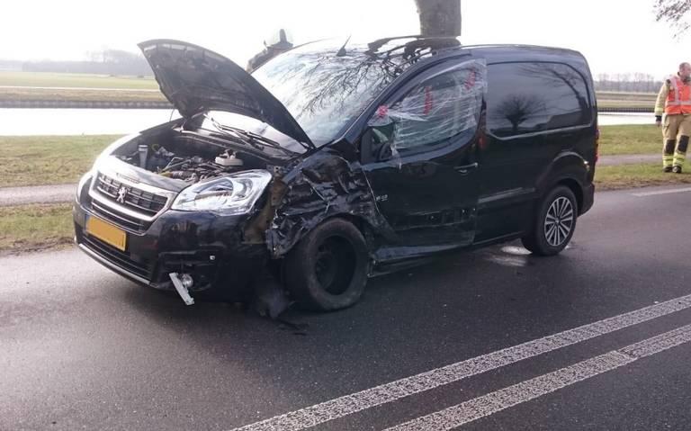 Gewonde bij verkeersongeval De Punt.
