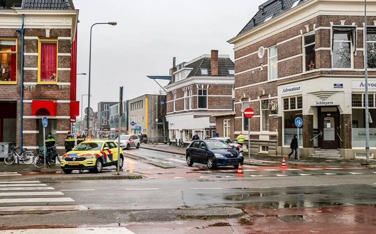 Fietser gewond bij aanrijding Nieuwe Ebbingestraat in Groningen.