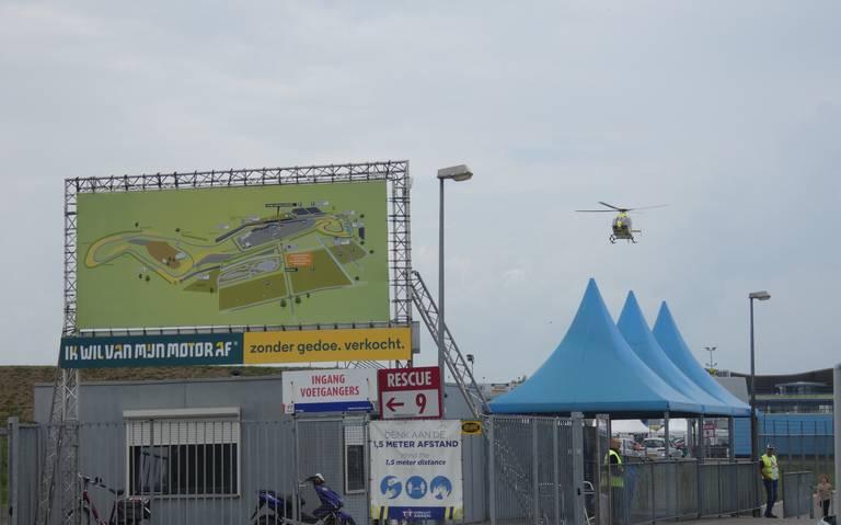 Motorrijder raakt zwaargewond bij botsing op TT Circuit Assen.