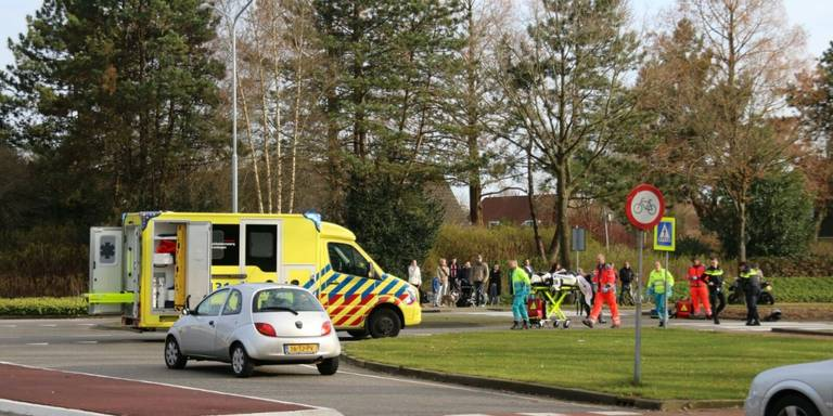 Motorrijder ernstig gewond na botsing in Veendam.