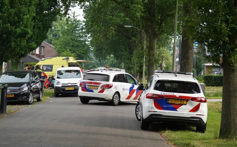 Kind aangereden op Wolfhornkampweg in Eelde. Meerdere hulpdiensten ter plaatse.