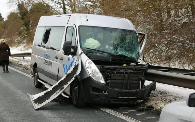 N34 ter hoogte van Borger afgesloten door ongeval met meerdere autos.