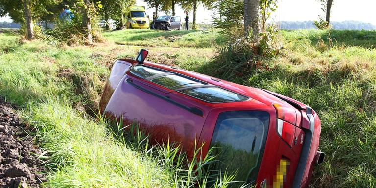 Automobilist gewond bij kop-staartbotsing in Bergentheim.
