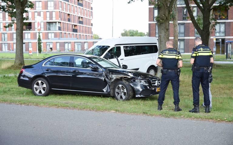 Forse schade bij kop-staartbotsing in Emmen.