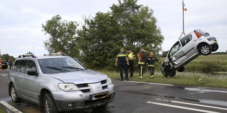 Fors ongeluk met meerdere voertuigen in Garmerwolde.
