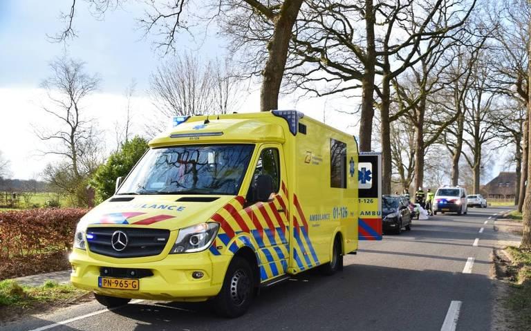 Wielrenner gewond bij aanrijding met auto in Onnen.