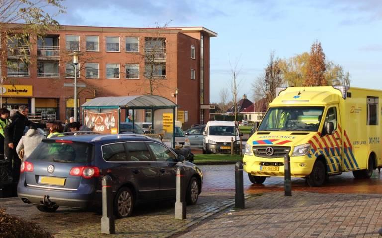 Fietsster gewond bij aanrijding met lesmotor in Scheemda.