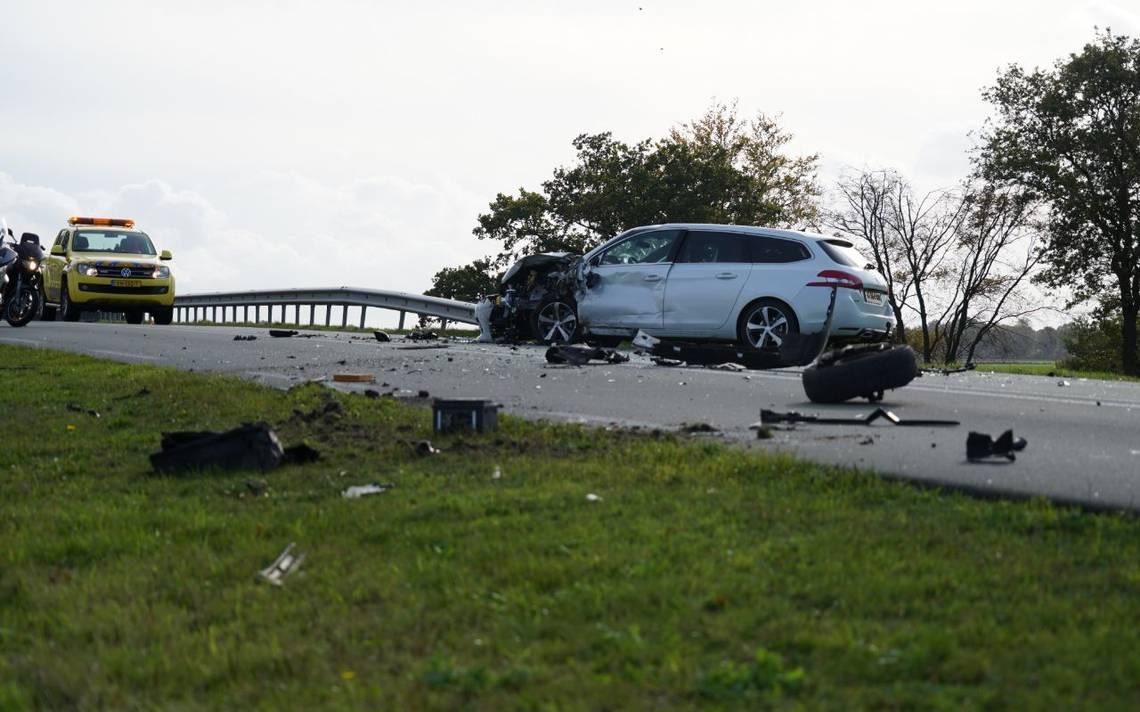 Gewonden bij auto-ongeluk tussen Nieuw-Amsterdam en Schoonbeek.