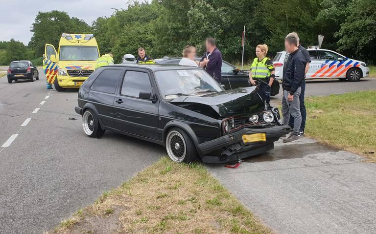 Gewonde bij botsing autos aan De Haar bij Assen.