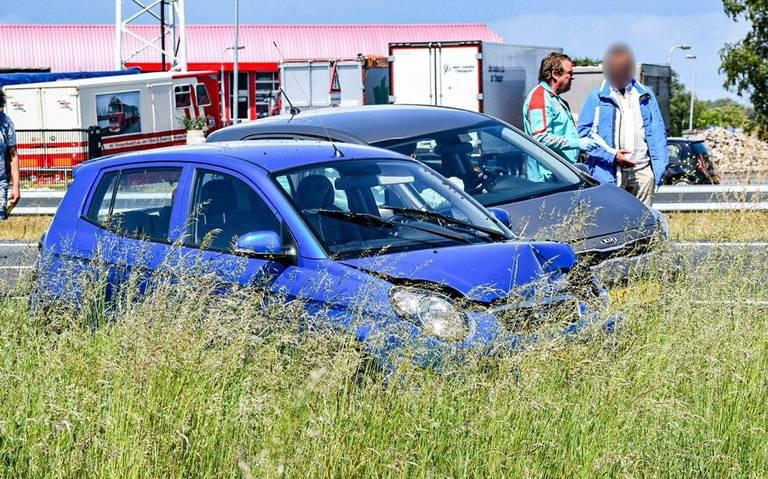 Vijf autos betrokken bij ongeluk op de A7 bij Engelbert.