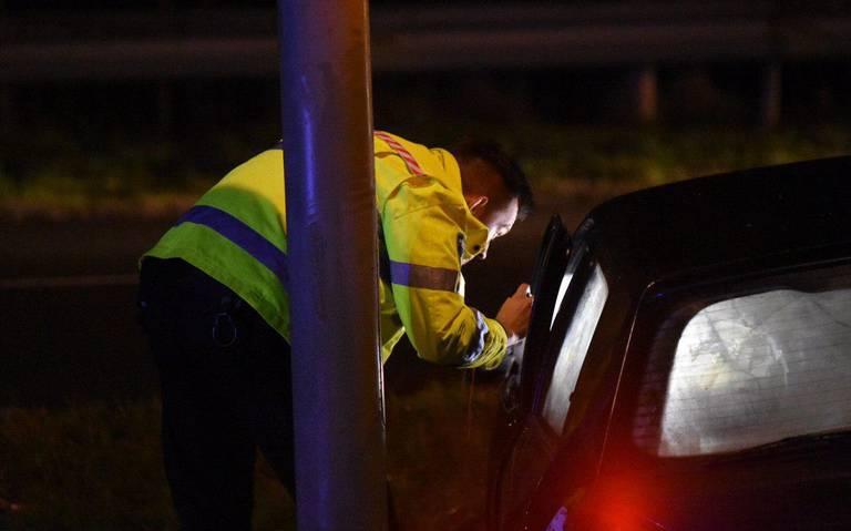 Veroorzakers eenzijdig ongeluk op Hondsrugweg slaan op de vlucht.