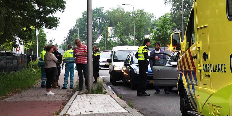 Kettingbotsing op de Middenveldweg in Hoogeveen.