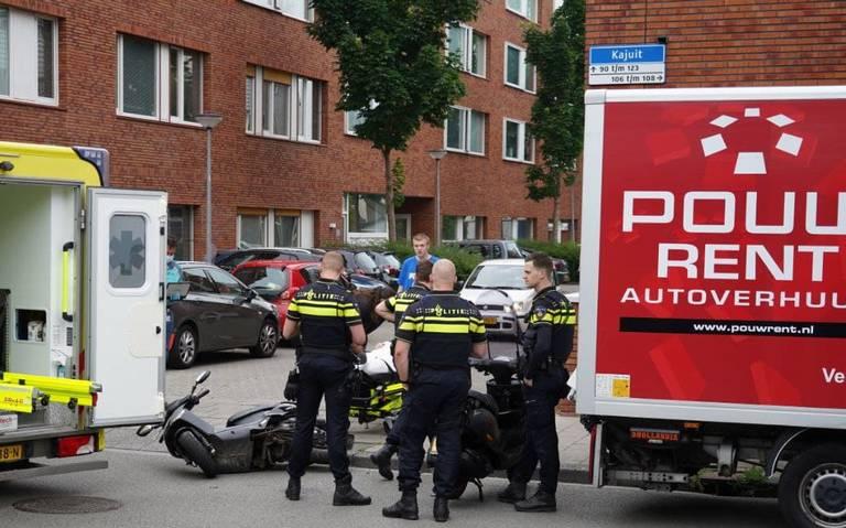 Gewonde bij frontale botsing scooterrijders in Groningen.