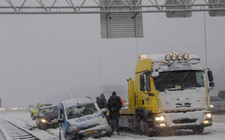 Lezersbrief: Laat auto staan na ongeval.